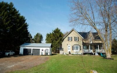 Just listed in Alvinston! 3241 Old Walnut Rd – $499,900